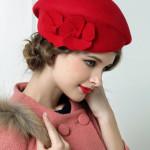 Palarie retro din lana rosie neagra si bej